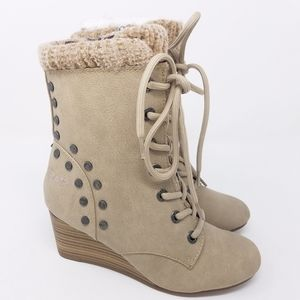 Blowfish Lace Up Ankle Boots Wedge SZ 6 Tan Beige